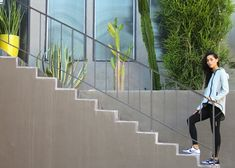 Run up stairs 10 times, 10 burpees, 10 mountain climbers; count down until you get to 1 rep to finish. Fit Girl Motivation, Monday Motivation, Fitness Motivation, Nike Street Style, Starting From The Bottom, Getting Back In Shape, Modern Muse, Mountain Climbers, Living A Healthy Life