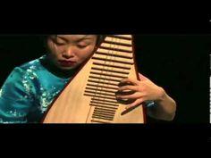 Liu Fang  playing Pipa 2007