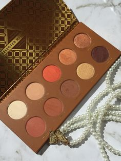 Zoevacosmetics Caramel Melange Eyeshadow Pallet which I bought on black friday sale without caring about any reviews as I fell in love at first sight 😻💕 As this is my first ever Zoeva pallet I was …