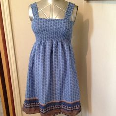 "Blue print Tube top dress Sundress. Lined. Elastic in straps also. Bust 28""-40"". Neckline to hem 32"". Faded Glory Dresses"