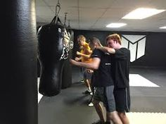 KRAV MAGA SELF-DEFENSE classes in DOLLARD-DES-ORMEAUX! Come for a FREE TRIAL! Open 6 days a week.
