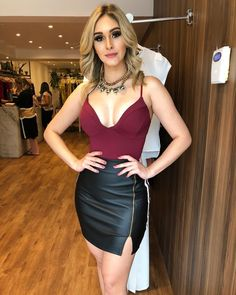 Sexy Girls for You! Skirt Outfits, Sexy Outfits, Pretty Outfits, Sexy Dresses, Cute Outfits, Fashion Outfits, Beautiful Dresses, Girl Fashion, Fashion Looks