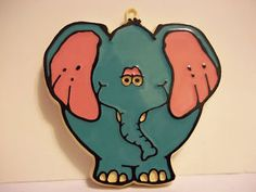 This San Diego Zoo cookie cutter made by Monogram is on eBay, starting bid $64.95  What a cute face!