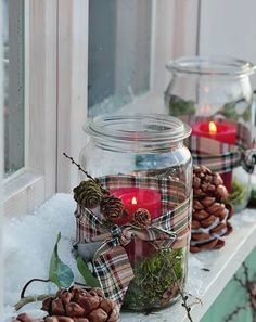 Glass of Christmas Crafts - 17 Homemade Holiday Inspirations - Kunsthandwerk - unique crafts Christmas Jars, Homemade Christmas, Rustic Christmas, Christmas Crafts, Upcycled Crafts, Diy Home Crafts, Homemade Crafts, Crafts With Glass Jars, Mason Jar Crafts