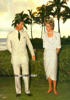 7 Nov 1985, Diana and Charles at Hickam Air Force Base on Oahu, Hawaii after their Australian tour.