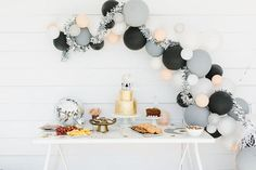 11 Almost-Free DIY Party Decor Ideas 2019 modern girl's birthday party ideas The post 11 Almost-Free DIY Party Decor Ideas 2019 appeared first on Birthday ideas. 13th Birthday Parties, 14th Birthday, Girl Birthday, Preteen Birthday Parties, 21st Birthday Themes, Birthday Ideas, Birthday Design, Rock And Roll Birthday, Silvester Party