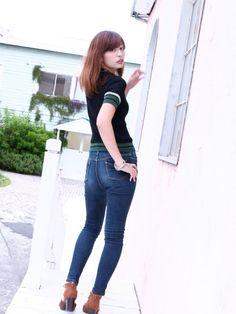 Vintage Jeans, Asian Woman, Skinny Jeans, Legs, Denim, Womens Fashion, How To Wear, Pants, Female Jeans