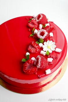 raspberry dessert and champagne Raspberry Desserts, Glaze For Cake, French Patisserie, Crazy Cakes, Oreo Cheesecake, Eat Dessert First, Creative Cakes, Plated Desserts, Beautiful Cakes