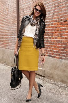 LoLoBu - Women look, Fashion and Style Ideas and Inspiration, Dress and Skirt Look Pencil Skirt Work, Pencil Skirt Casual, Pencil Skirt Outfits, High Waisted Pencil Skirt, Pencil Skirts, Pencil Dresses, Work Fashion, Modest Fashion, Skirt Fashion