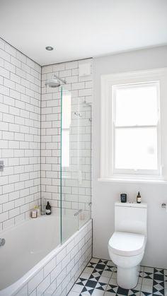 Small Narrow Bathroom, Small Bathroom Plans, Small Bathroom With Tub, Small Bathroom Layout, Bathroom Tub Shower, Tiny Bathrooms, Bathroom Tile Designs, Bathroom Interior Design, Edwardian Bathroom