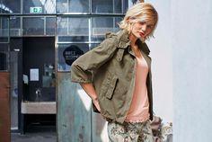Aniston Kurzjacke mit Kapuze im Online Shop von Ackermann Versand #Mode #Fashion #Herbst #Autumn Boho, Military Jacket, Shopping, Fashion, Fashion Trends, Sporty, Cowl, Jackets, Autumn