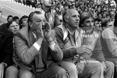 ♠ 10th May 1986, Wembley Stadium, FA Cup Final, Liverpool 3 v Everton 1, Bob Paisley shouts instructions to his players; sitting next to him are his backroom staff Ronnie Moran and Roy Evans #LFC #History #Legends