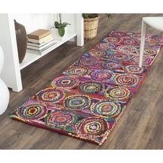 Safavieh Handmade Nantucket Shino Contemporary Cotton Rug x Runner - Pink/Multi) Nantucket, Carpet Runner, Rug Runner, Geometric Circle, Rug Cleaning, Online Home Decor Stores, Persian Rug, Rug Making, Outdoor Rugs