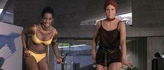 BLACK HOLE REVIEWS: DIAMONDS ARE FOREVER (1971) - James Bond in Las Vegas