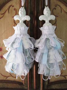 Fleur-de-Lis Romantic Shabby Chic Decorative Curtain TasselsSet by