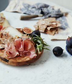 It ain't brain surgery. It's, proscuitto, figs, crackers & cheese #thanksgiving www.sousstyle.com