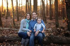 fall family picture ideas | Fall Family Portrait Idea | Family portrait ideas