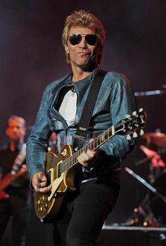 Jon Bon Jovi, damn do I love this man!!!