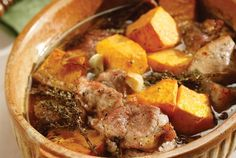 Amateur Cook Professional Eater - Greek recipes cooked again and again: Braised oven pork with pumpkin Greek Recipes, Meat Recipes, Fall Recipes, Cooking Recipes, Healthy Recipes, Greek Cooking, Braised Pork, Wine Sauce, Food Categories