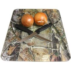 Realtree Camo Cutting Board $10.99 Because somebody keeps scratching my pretty one