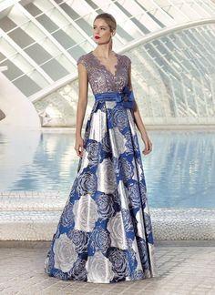 🌼💚💚💚🌼 Fiesta Outfit, Groom Dress, African Dress, Occasion Dresses, Dress Patterns, Beautiful Dresses, Evening Dresses, Dress Up, Stitching