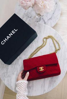 Handbags 2018/2019 : Imagem de bag, fashion, and chanel #Handbags https://inwomens.com/2018/04/12/handbags-2018-2019-imagem-de-bag-fashion-and-chanel/
