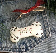 Personalized Dog Ornament by picketfencecrafts on Etsy Animal Projects, Animal Crafts, Christmas Crafts, Coastal Christmas, Christmas Ornaments, Picket Fence Crafts, Felt Dogs, Dog Bones, Dog Ornaments