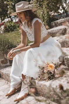 Pretty Wedding Dresses, Boho Wedding Dress, Bride Look, Boho Bride, W Dresses, Bridal Dresses, Wedding Hats, Wedding Gowns, Vow Renewal Dress