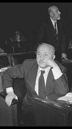 Prof. Dr. Necmettin Erbakan Istanbul, Islam, Historia
