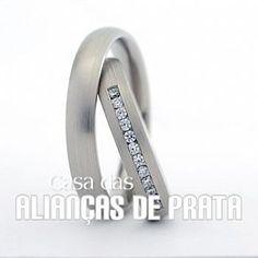 Par de alianças de compromisso em prata 950 Peso aproximado: 10 gramas o par Largura: 5 mm Pedra:  10  Zirconias Anatômica  Acabamento Fosco
