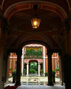 cortili signorili in quel di Milano   #cortile #palazzo #signorile #borghesia #Milano #milan #piante #italia  #casa #atrio #moltobello #volgomilano #volgoitalia #volgolombardia #top_lombardia_photo #milano2015 #milanocity #milanodavedere #milanocityufficiale #milancityofficial #milanarchitecture #milanleungranmilan #milansfashion #vivomilano #milano_forever #loves_milano #lovemilano #lombardia by francescarollo