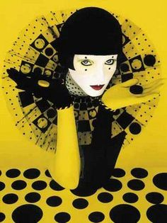 Serge Lutens, 1942 ~ Stilista e fotografo Parfum Serge Lutens, Serge Lutens Makeup, Arte Punch, Fashion Art, Editorial Fashion, French Fashion, Artist Makeup, Pierrot Clown, Es Der Clown