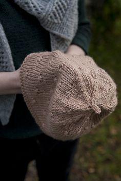 Nupu Nupu: Jos nyppy olisi kaunis sana. Knitting Accessories, Knitted Hats, My Design, Winter Hats, Fashion, Knit Hats, Moda, La Mode, Knit Caps