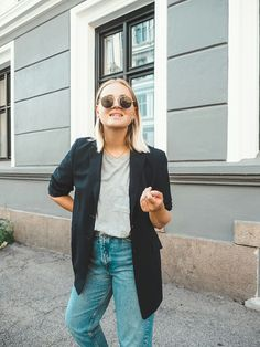 Asu, Blazer With Jeans, Cool Girl, Mom Jeans, Bomber Jacket, Classy, Style Inspiration, Girls, Jackets