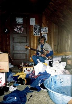 Kurt Cobain in his childhood home in Aberdeen
