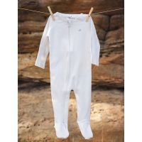 Organic Footed Romper Reduced to $17.95* for a limited time Buy it now instore at www.mamadoo.com.au #mamadoo #baby #boys #onsies #clothes #fashion #cuteas