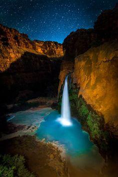 Havasu Falls, want to go and take a pic so bad!