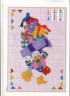 Paperino punto croce con una pila di bagagli - magiedifilo.it punto croce uncinetto schemi gratis hobby creativi