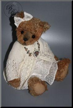Claire By Liesbeth de Bruijn - Bear Pile Teddy Bear, Artist, Handmade, Animals, Hand Made, Animales, Animaux, Teddy Bears, Craft
