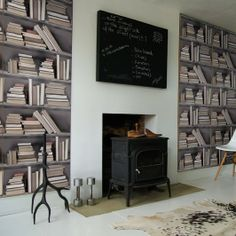 This vintage bookshelf wallpaper is radical! I need this in my study or the alcoves in my living room - so ultra stylish. Wallpaper Bookshelf, Book Wallpaper, Wall Bookshelves, Print Wallpaper, Wallpaper Murals, Wallpaper Awesome, Bookshelf Storage, Vinyl Wallpaper, Book Shelves