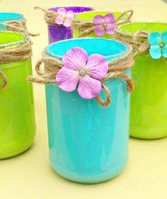 A fun Mason jar craft - Happy Happy Nester Mason Jar Projects, Mason Jar Crafts, Mason Jars, Moana Birthday Party, Luau Party, Luau Birthday, Bead Crafts, Diy Crafts, Diy Father's Day Gifts Easy