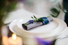 Blaue Anemone für den Brautstrauß von Sonja Klein  Friedatheres.com   Foto: http://www.lichterstaub-fotografie.de