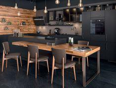 Küche in schwarz. Home Staging. Black Kitchen Cabinets, Kitchen Cabinet Colors, Kitchen Cabinetry, Black Kitchens, Kitchen Flooring, Home Kitchens, Kitchen Black, White Cabinets, Kitchen Room Design