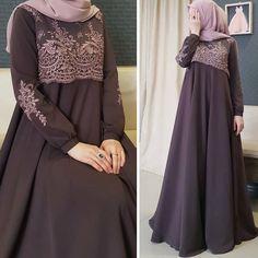 Abaya Fashion, Modest Fashion, Fashion Dresses, Mode Abaya, Mode Hijab, Habits Musulmans, Estilo Abaya, Hijab Evening Dress, Dress Pesta