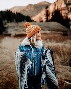 Portrait Fotografia, Mountain Style, Mountain Fashion, Boho Fashion, Winter Fashion, Adventure Aesthetic, Granola Girl, Mein Style, She Is Clothed