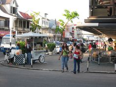 Paramaribo. I miss sinobol drink carts!