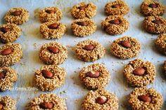 Κουλουράκια με βρώμη κ ταχίνι Greek Sweets, Chocolate Sweets, Pastry Art, Baking And Pastry, Biscuit Cookies, Greek Recipes, Cooking Time, Food For Thought, Cookie Recipes