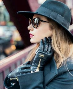 Winter Accessories, Fashion Accessories, Gloves Fashion, Beret Outfit, Black Leather Gloves, Leather Jacket, Fashion Beauty, Womens Fashion, Hats For Women