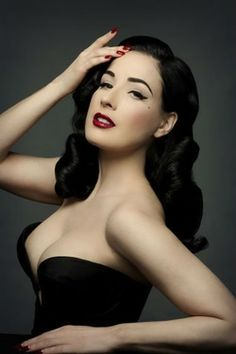 Dita Von Teese i heart her.  girl crush