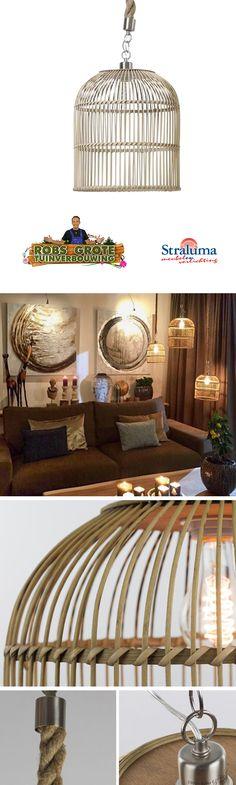 Gespot bij Robs grote tuinverbouwing | De Landelijke hanglamp riet is een prachtige houten hanglamp boven de eettafel in uw woonkamer of in uw slaapkamer. Waar u deze speelse hanglamp ook ophangt, de ruimte wordt er warmer en gezelliger van. Mooi in combinatie met een kooldraadlamp. De spannende combinatie van materialen zorgen dat u nooit uitgekeken raakt op deze hanglamp.
